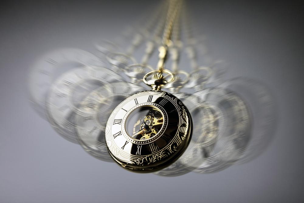 hypnotising using clock